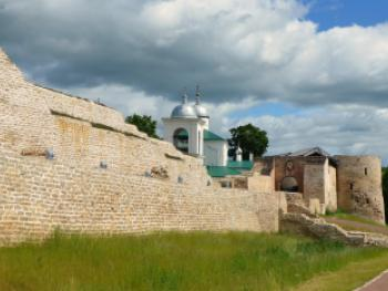 Изборская крепость