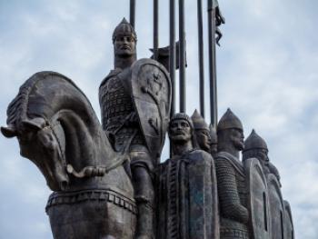 памятник-монумент князю Александру Невскому, Псков